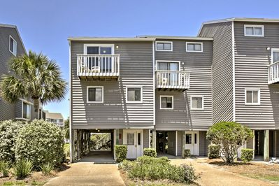 This vacation rental townhome is located in the Cape San Blas community!