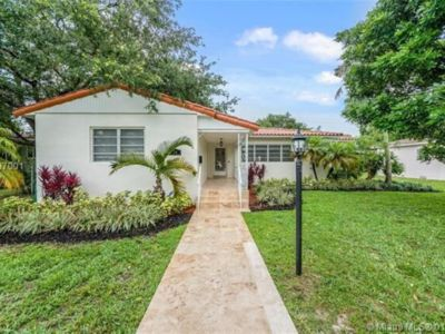 Photo for Spacious and Bright Miami Shores Home with Tropical Backyard