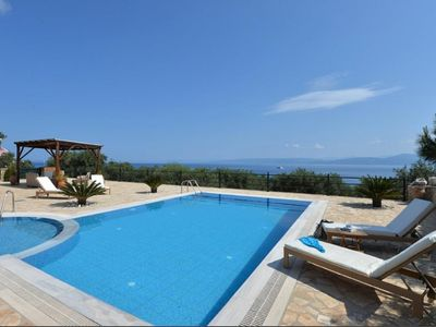 Photo for Attractive Villa, A/C, Private Pool, Stunning views over the Ionian Sea and only 900 m to the Beach!