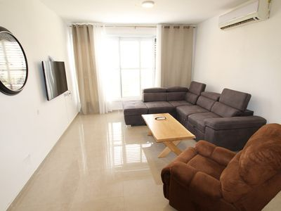 Photo for Spacious 3-bedroom apartment Herzl 4