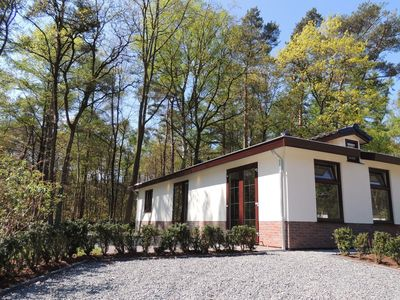 Photo for Pet friendly chalet with sauna, located in park de Wyckel.