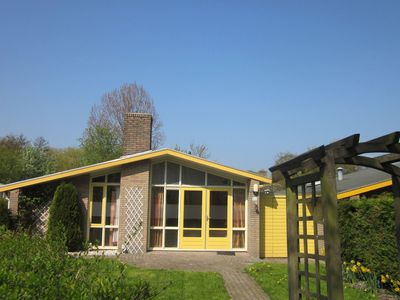 Photo for Simple bungalow in a holiday park on the IJsselmeer with an indoor pool