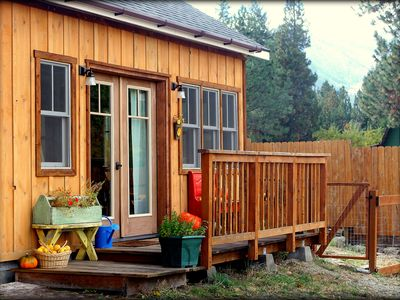 Photo for The Cottage at Farmstead Hollow; Warm and Cozy Retreat 2 miles West of Hamilton