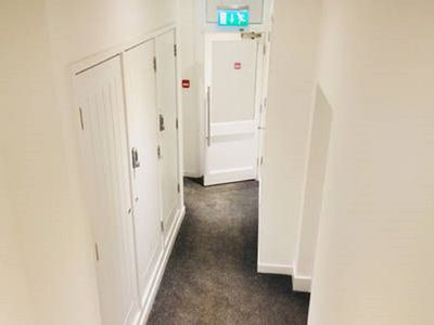 Photo for 1BR Apartment Vacation Rental in Reading, England