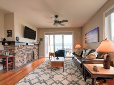 Photo for Seasons at Sandpoint - Large Corner Condo with Extra Windows & Square Footage