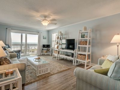 Photo for AMAZING views of the ocean, community pool, private covered deck
