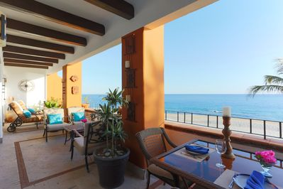 Large private balcony w/amazing views & separate areas for dining and relaxing