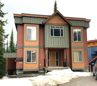 Photo for Deluxe 5 Bedroom/4 Bath Home Directly on the Ski-Way