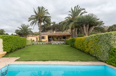 Photo for Canarian farm with pool Los Paredones