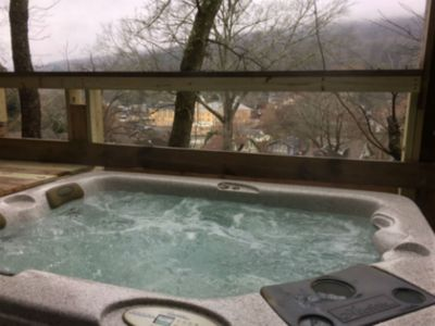 Hot Tub on back deck overlooking Lookout Mt.
