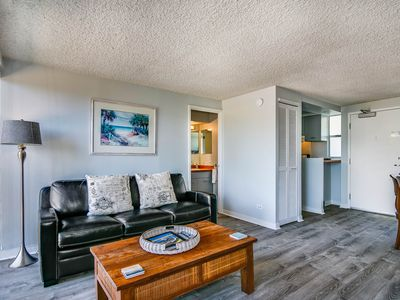 Photo for A One Bedroom Gem at the Diamond Head Beach Hotel - Queen Suite 602 Sleeps 4