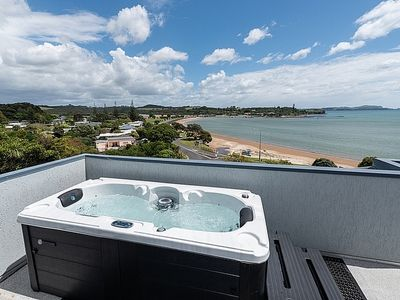 Photo for Heavenly View - Waterfront Paihia Apartment