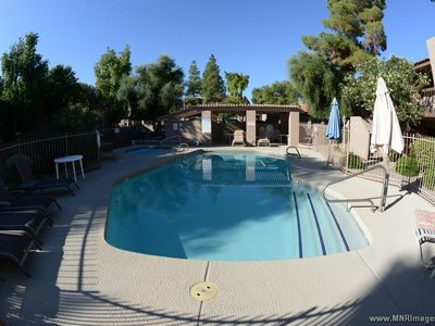 Beautiful Ground Floor 3 bdrm; Pool Facing Condo Near Old Town - Bikes Included!
