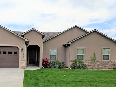 Photo for ♡Velo III - Big 1 level home,pet friendly w/garage, Fire Pit, BBQ,TVs in bedrms