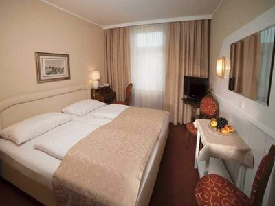 Photo for Small Double Room - Hotel Vier Jahreszeiten ****
