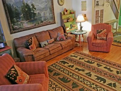 Photo for In Town, Near the River and Fishing Ponds, Cable, WIFI, W/D, NFL Sunday Ticket