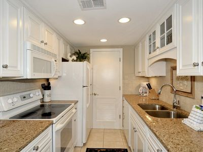Photo for 4th floor, 2 bedroom, and 2-bath villa located just down the street from Coligny Plaza and one stree
