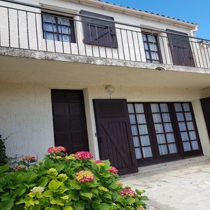 Photo for Very bright villa standing 5 minutes walk from the beach