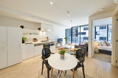 We've recently replaced this dining set into a 7 piece for give more space