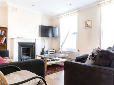 Photo for Cosy 3BR flat in Finsbury Park