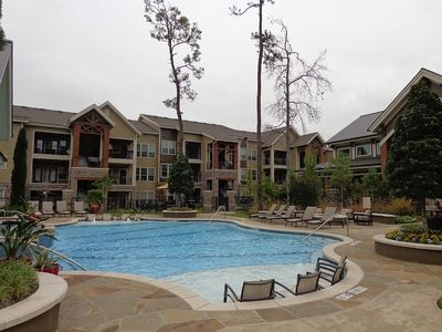 Photo for Spacious Pool View 1 Bedroom/1 Bath Condo in The Woodlands