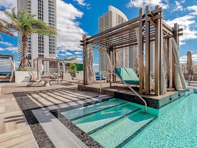 Photo for 5 ⭐️ AMENITIES Luxury 1BR -FRONT Intracoastal View Balcony