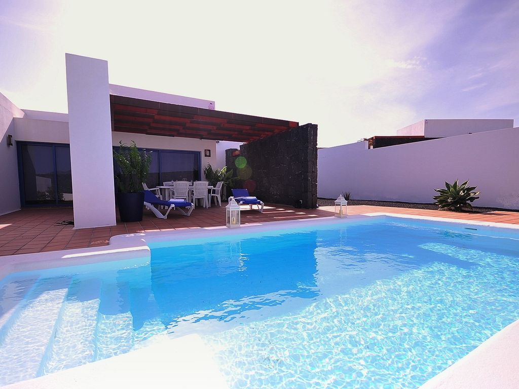 anika villa with private heated pool, wifi, air conditioning, etc