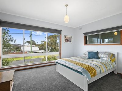 Photo for Rocklea Comfort 38- Valley Views Neat And Tidy