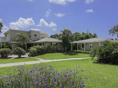 Photo for 3 Bedroom Tropical Paradise With Pool/Jacuzzi and Outdoor Bar. West Bradenton 20