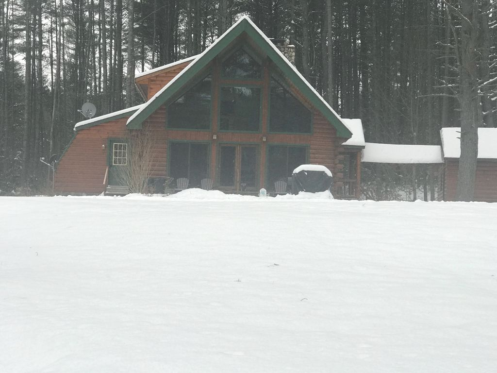 Gorgeous log cabin on hudson river only 15 minutes to gore for Hudson log