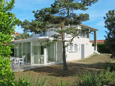Photo for Vacation home in Bretignolles - sur - Mer, Vendee - 5 persons, 3 bedrooms