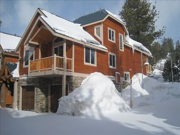 Beautiful, Cozy, High-End New Home - Next to Mammoth Village 3br+loft