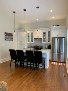 Chef Kitchen, Granite Countertops, 42in cabinets, stainless steel appliances