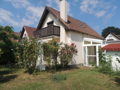 Photo for Cozy house situated in a vineyard with view on the lake