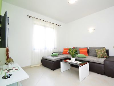 Photo for Apartment in the center of Medulin with Internet, Air conditioning, Parking, Terrace (499076)
