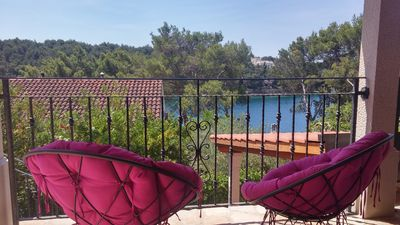 Photo for House in Milna (Brač), for up to 6 persons with garden and sea view.