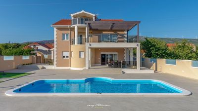 Photo for Big, luxurious villa with pool near Sibenik