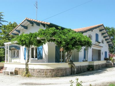 Photo for Lovely apartment for 10 guests with private pool, WIFI, TV, balcony, pets allowed and parking