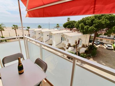 Photo for Sea view terrace 20m sandy beach 3mn walk from downtown