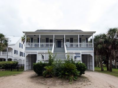Photo for Southern Charm - Ocean Views & Easy Beach Access; Dual Living Areas