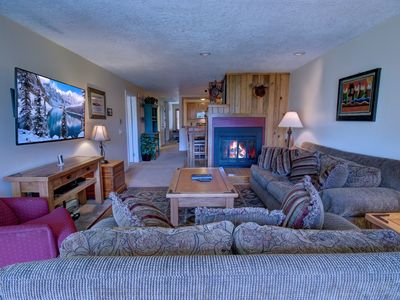 Photo for Pines 2049 Beautiful 2 Bdrm Condo with Relaxing forest views by Summitcove Lodging