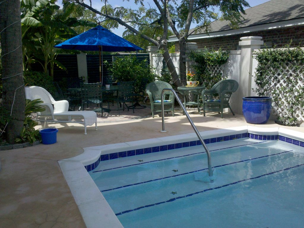 Tybee Fiddler Cottage, Pool, Hot Tub,... - HomeAway Tybee Island