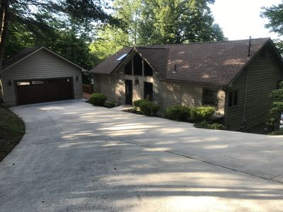 Front of Home with large driveway