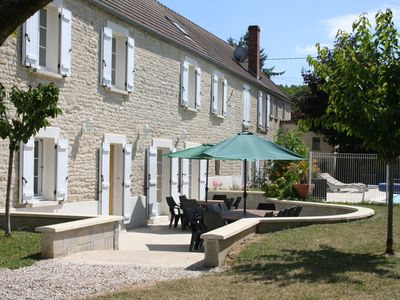 Photo for PROMO April / May house 15/20 pers near CHABLIS, secured pool, terrace