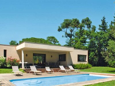 Photo for Beautiful Villa in the heart of the Domaine de Beauvallon with swimming poo