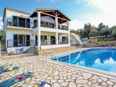 Photo for Countryside villa 5 mins to beach, w/ private pool, free Wi-Fi and BBQ