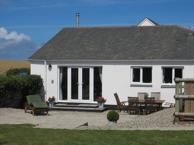 Photo for Beautiful, well equipped, coastal cottage with parking in excellent location