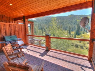 Photo for 3 Bedroom 3 Baths in River Run Village. 250 yards to the gondola. Mountain view