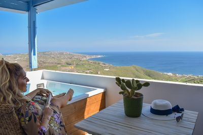 Balcony with a hot tub and unlimited Aegean sea view