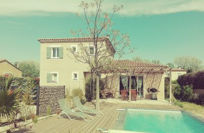 Photo for House with large garden and pool near Avignon